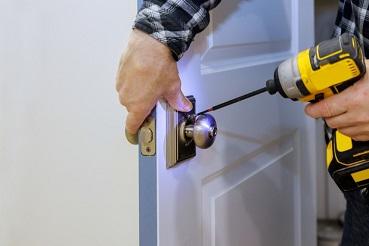 מנעולן דלת לכל סוגי תיקונים